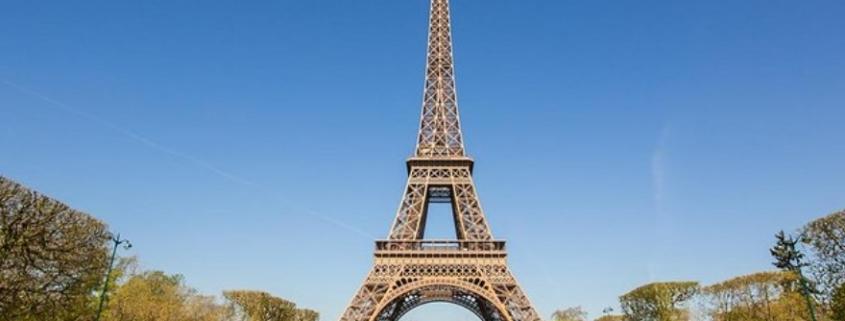 Un électricien qualifié près de la Tour Eiffel Arti Pro – Paris7